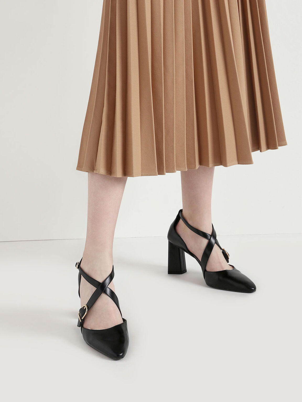Buckle Detail Criss Cross Block Heel Pumps, Black, hi-res