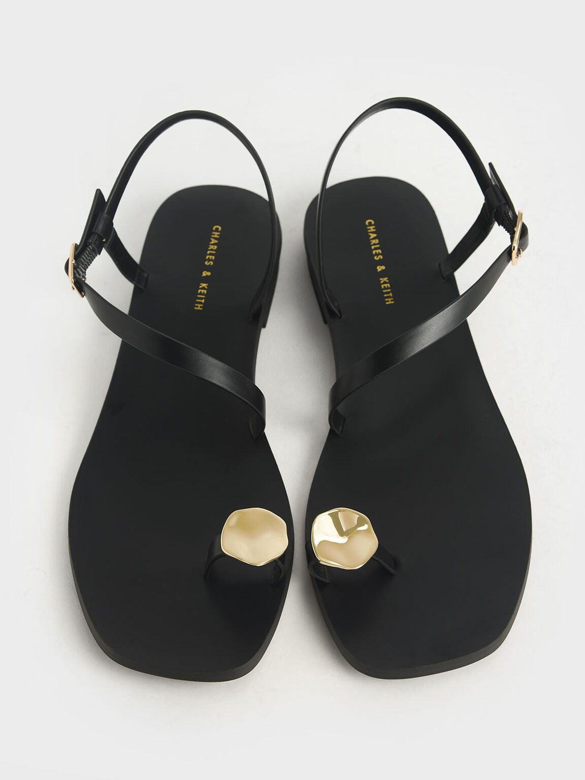 Metal Accent Toe Loop Sandals, Black, hi-res