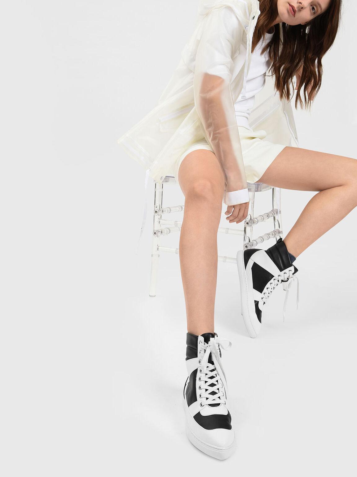 Pointed High Cut Sneakers, Black, hi-res