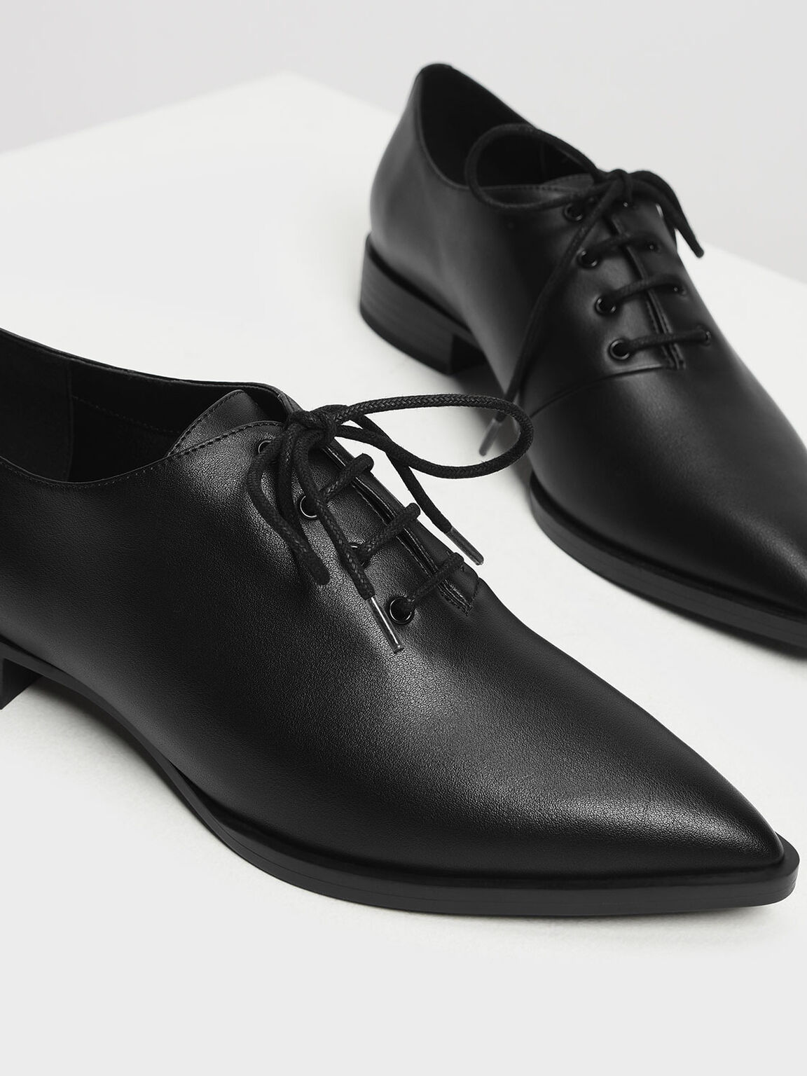 Pointed Oxfords, Black, hi-res