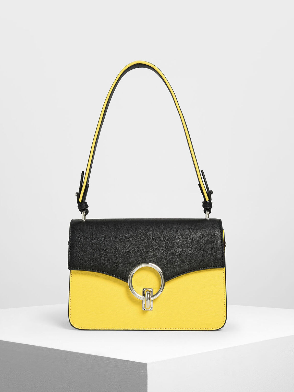 Chain Link Shoulder Bag, Yellow, hi-res